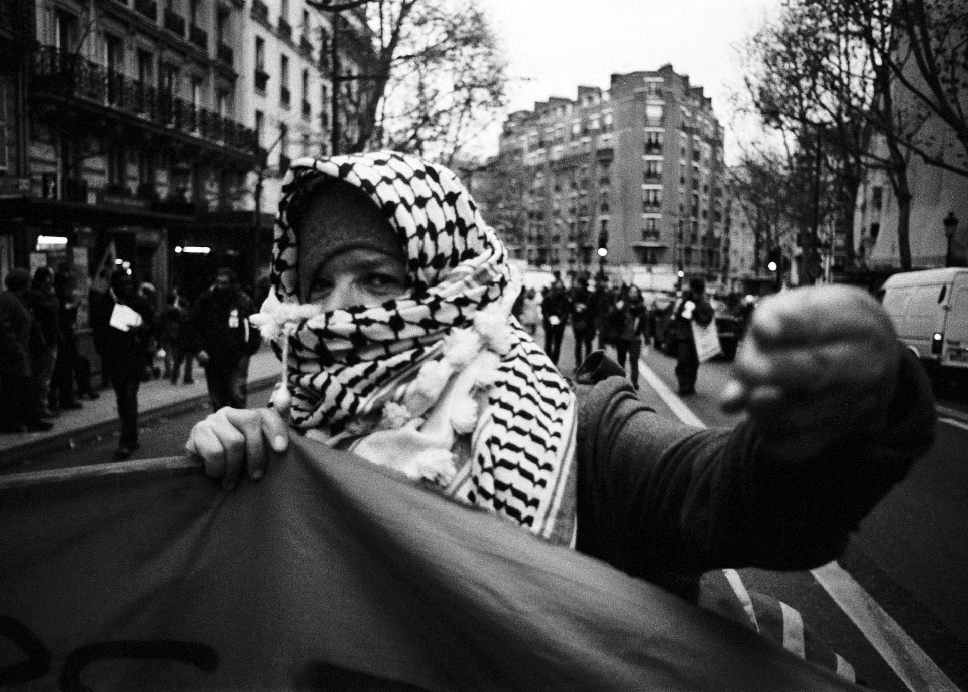 MANIFESTATION CONTRE LE RACISME ET POUR L'ÉGALITÉ DES DROITS, 7 DÉCEMBRE 2013.