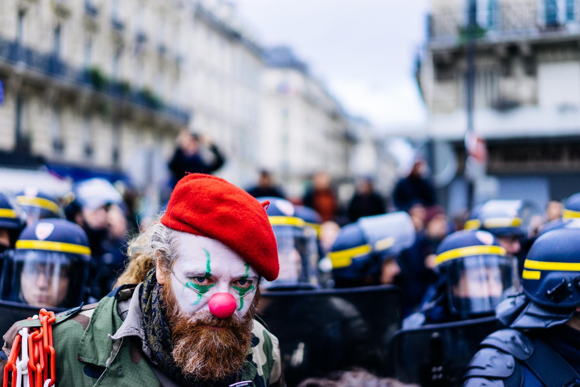 Clown à Place de La République