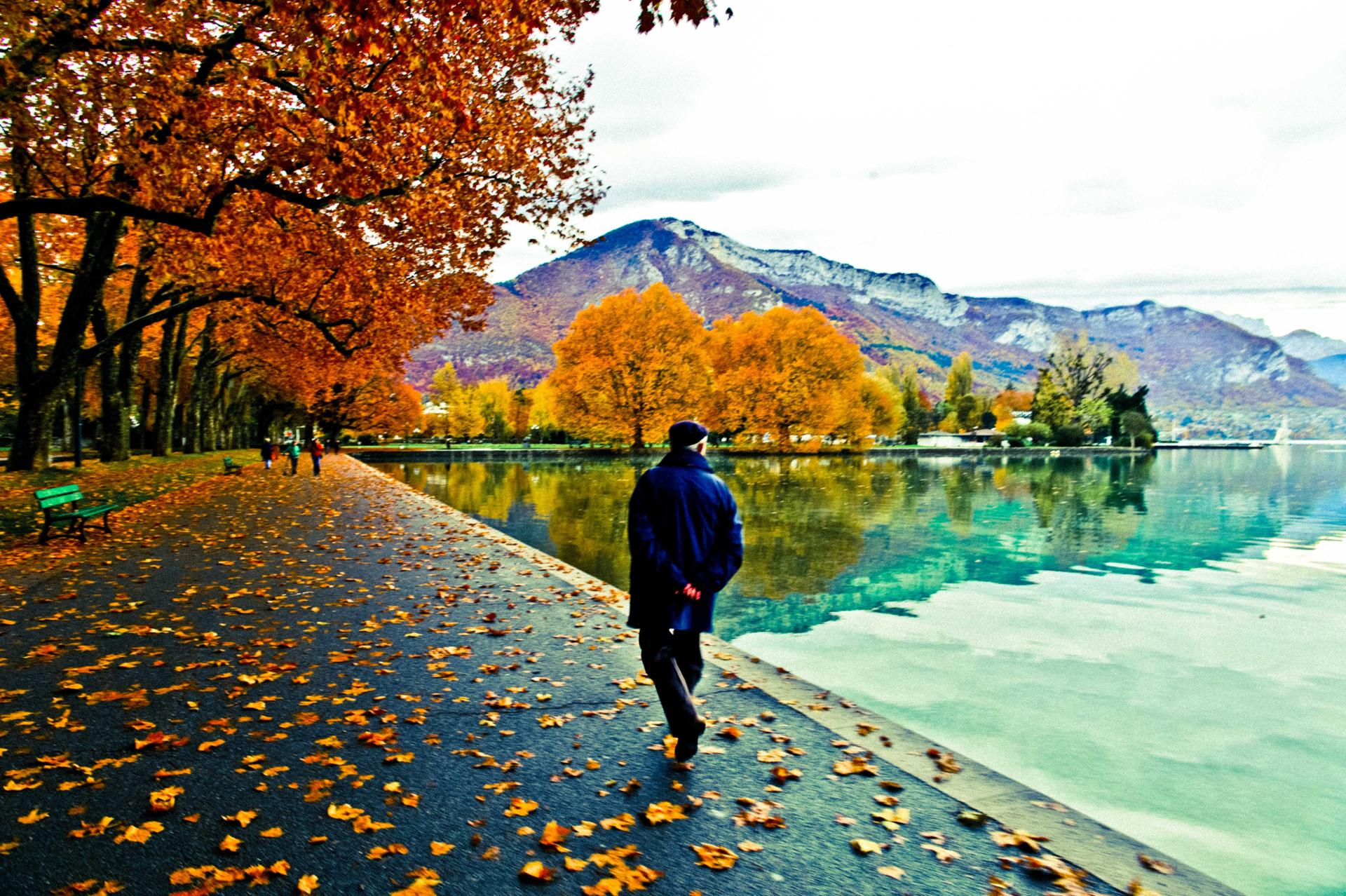 Annecy by Hopper 2