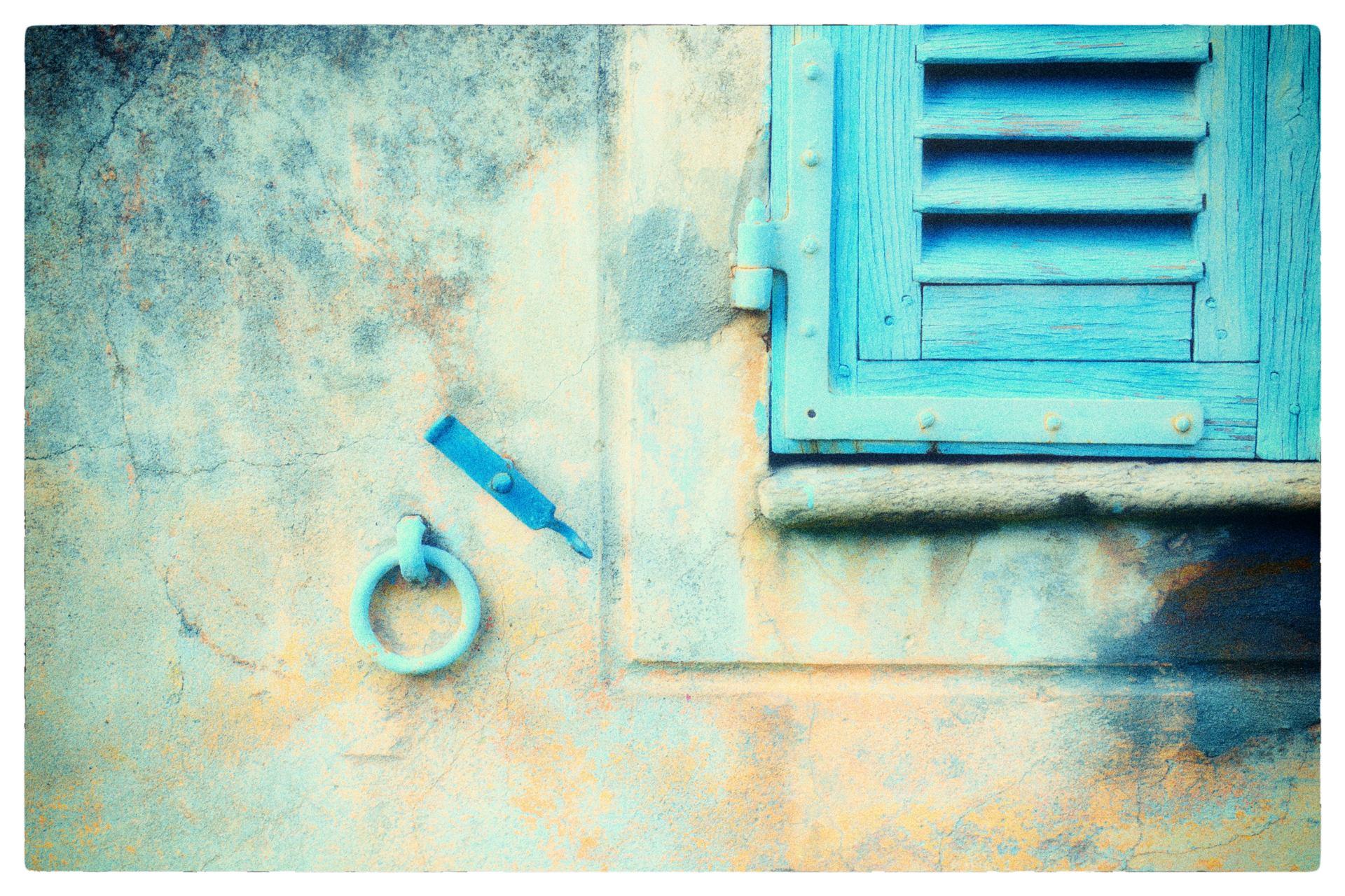 Le volet bleu...