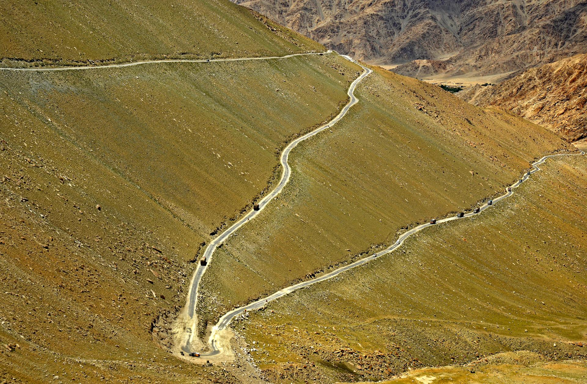 Roads in Ladakh.jpg