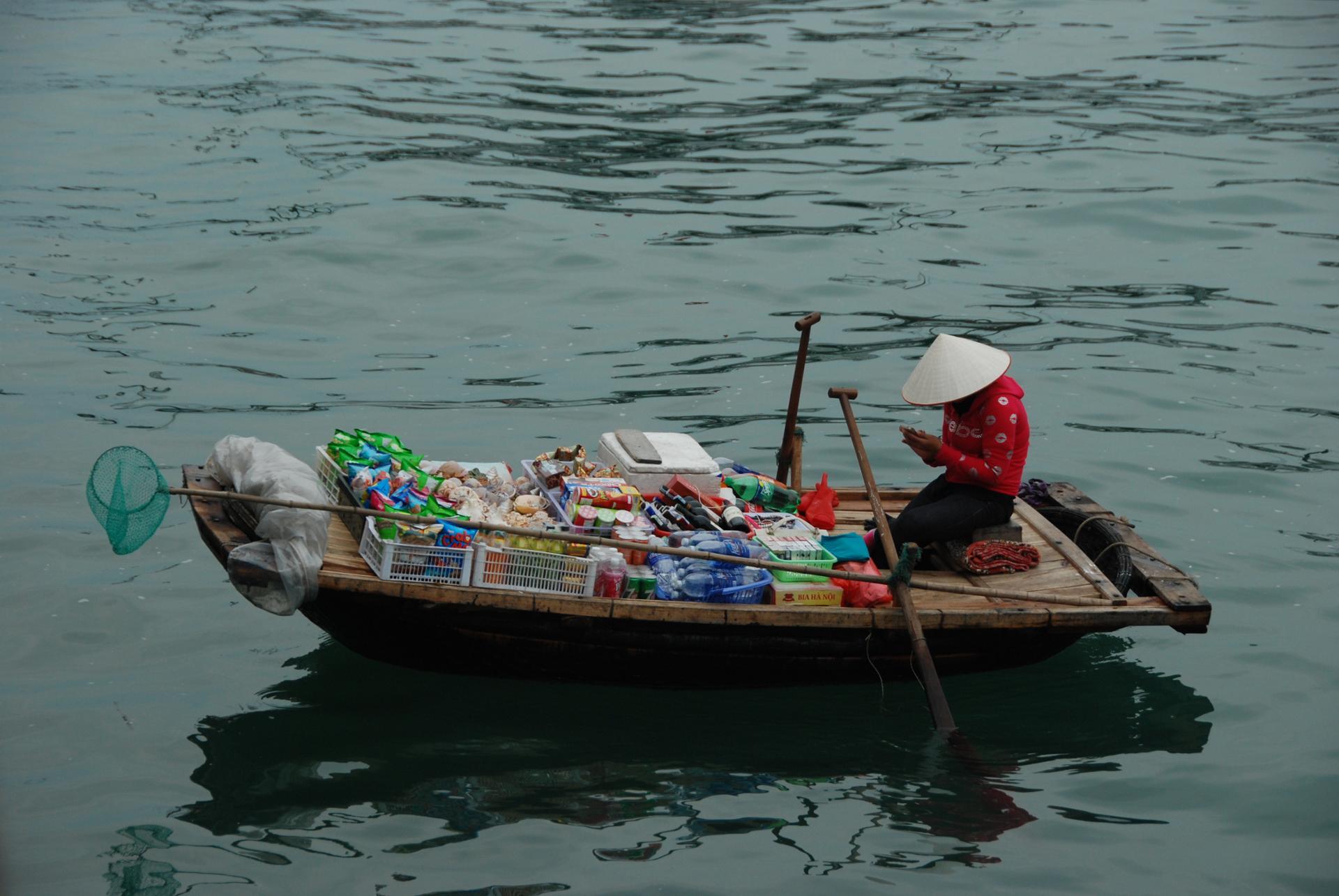 L'épicerie flottante, Baie d'Ha Long maritime