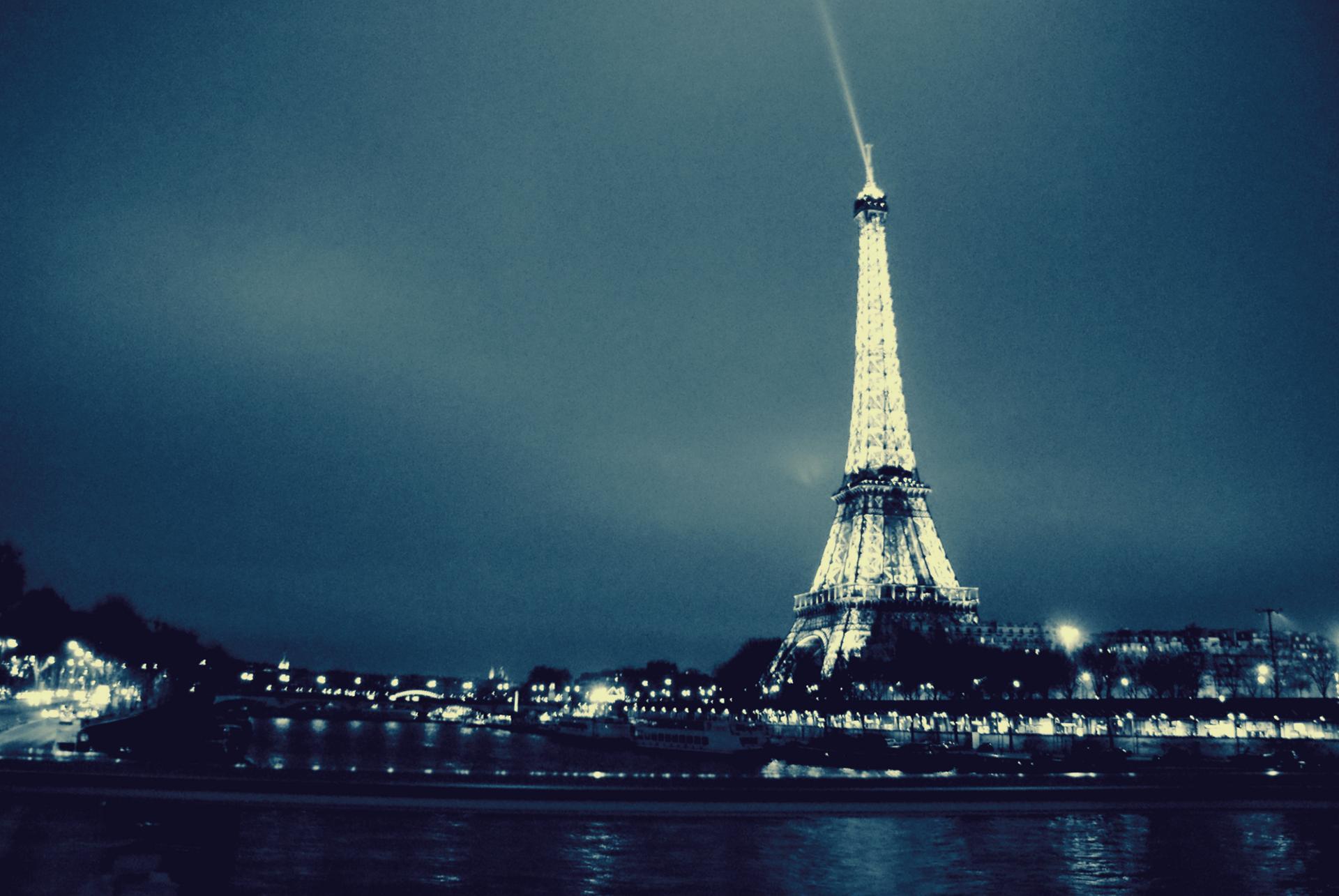 Au devant de la Seine.