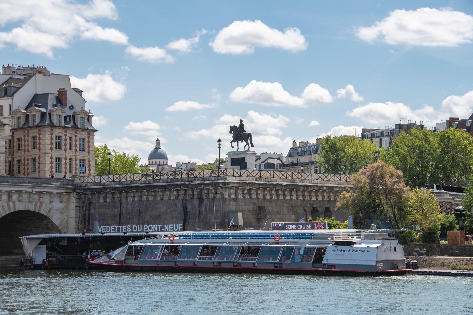 Paris : Vedette du pont Neuf