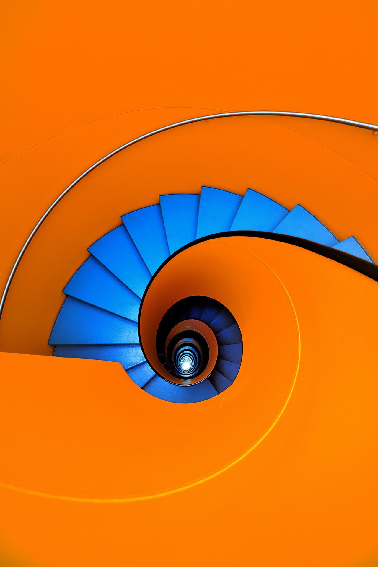 Blue as an orange