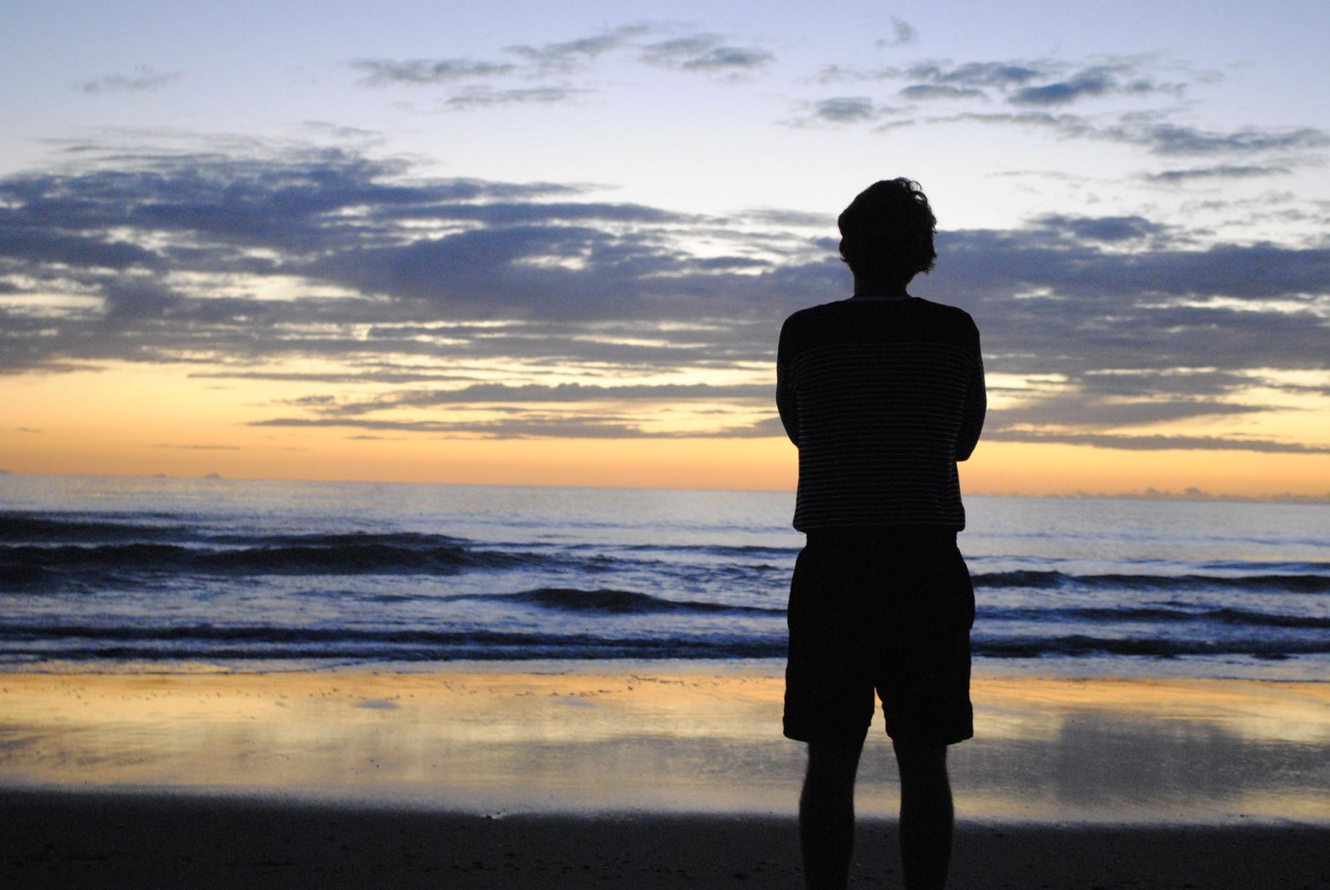 homme libre toujours tu chériras la mer