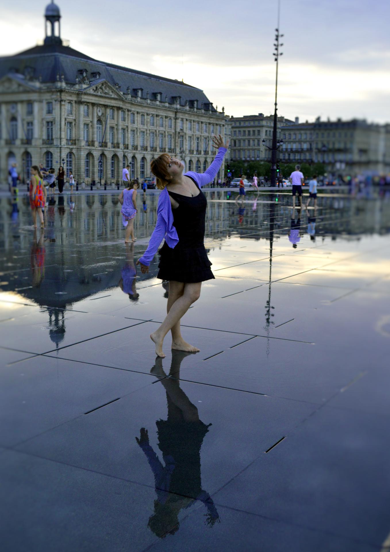 une femme a Bordeaux