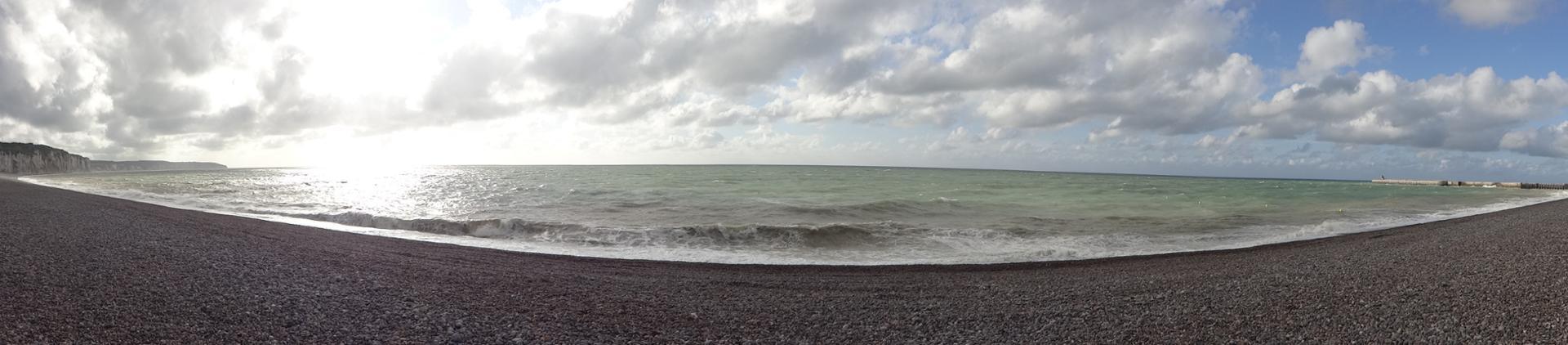 La plage ensoleillée