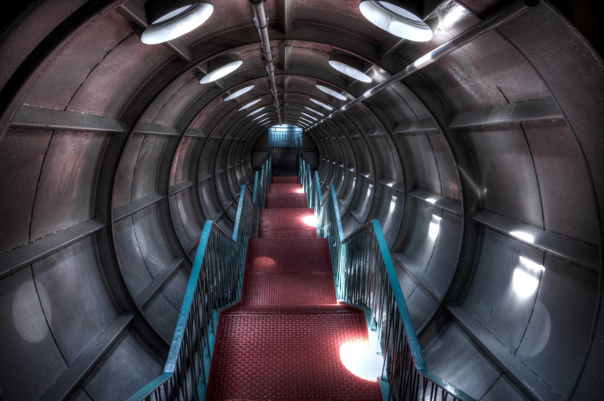 Voyage au centre de l'atome.