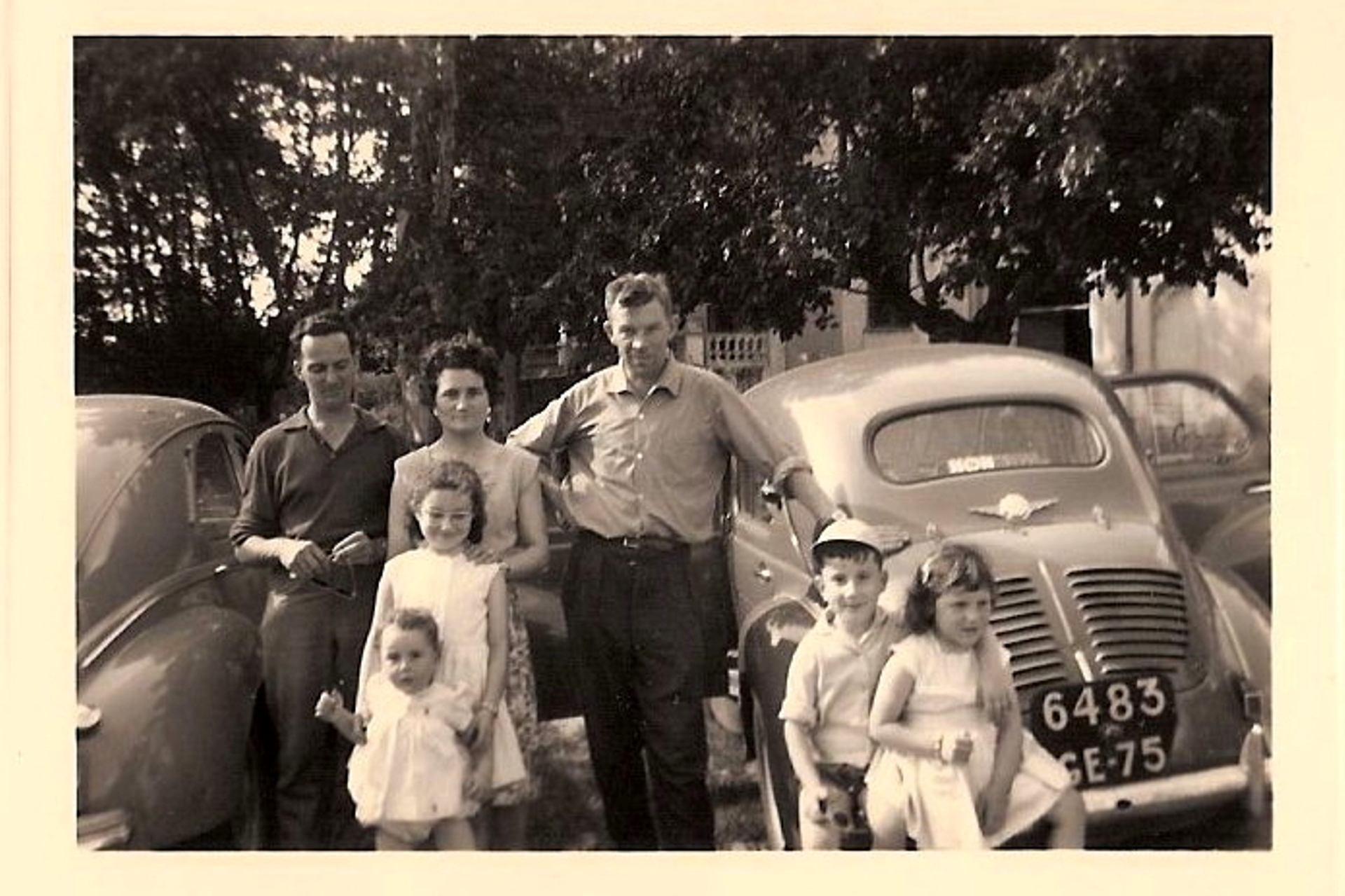 Photo de famille avant le départ en vacances