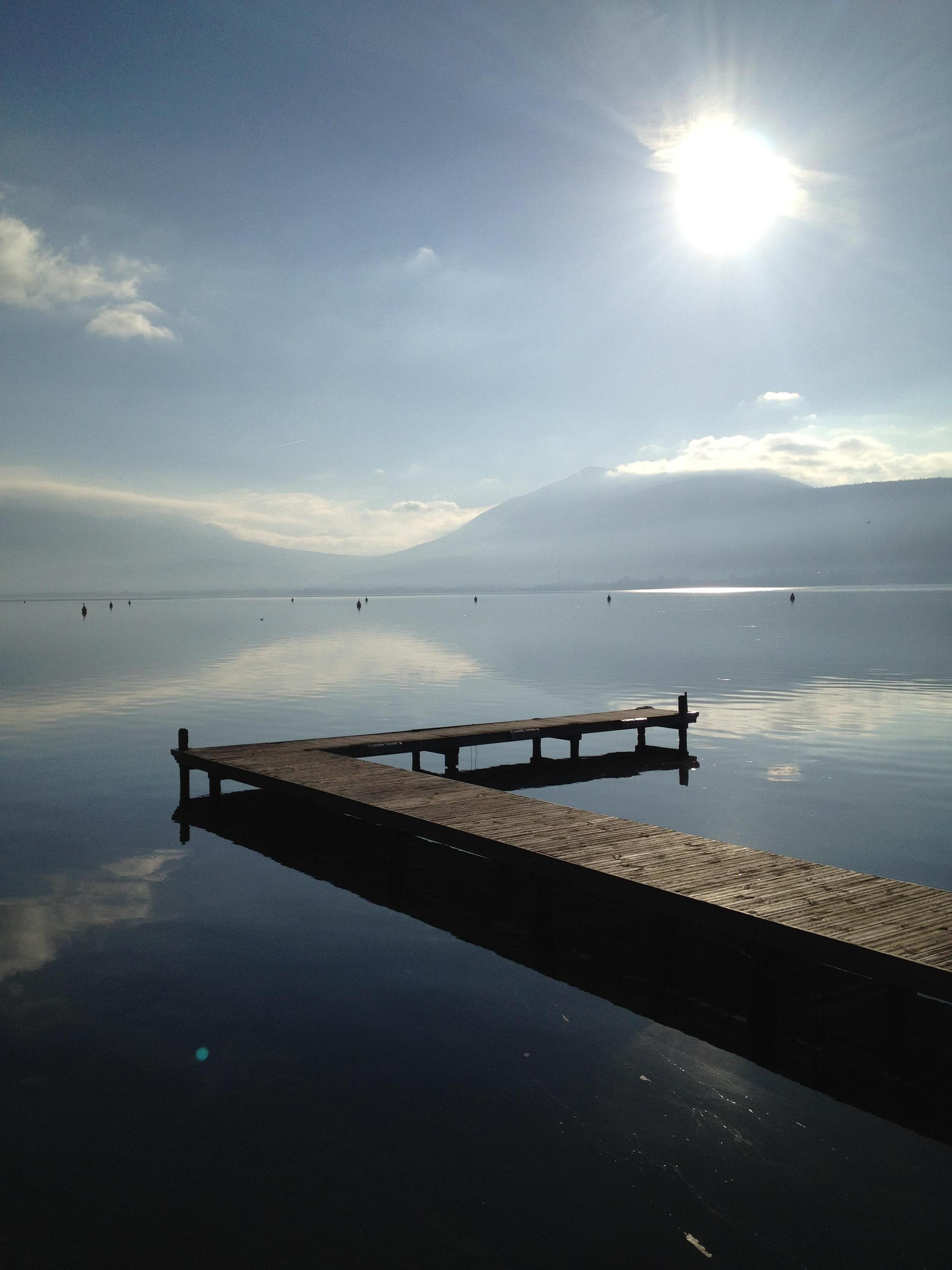 Un lac et un angle